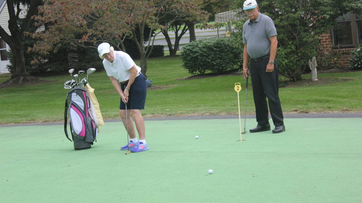 Homestead Village offers a Resident Organized Golf Group that meets weekly at local golf courses.