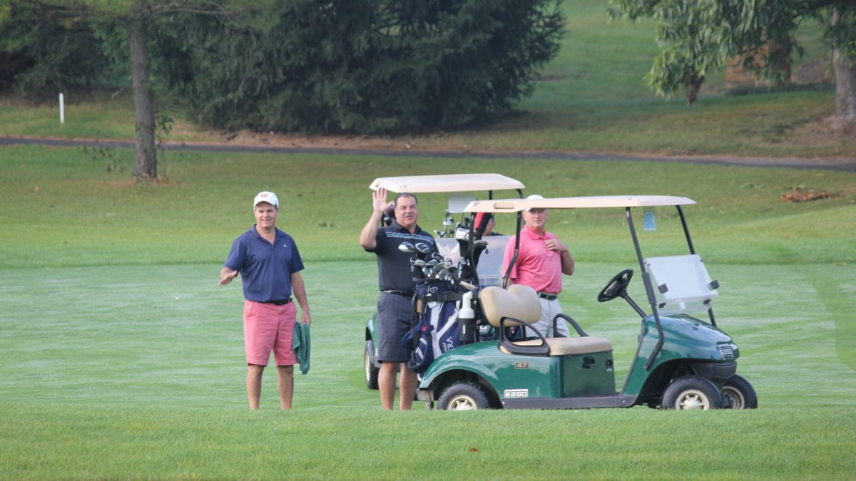 Homestead Village Residents enjoy a day on the golf course!